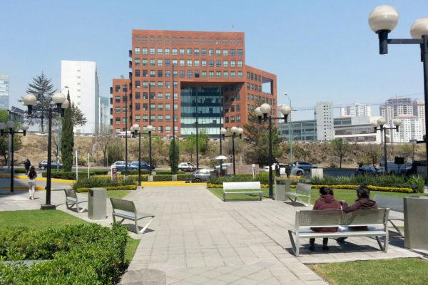 Mobiliario Urbano para plazas y espacios públicos: un componente funcional y estético